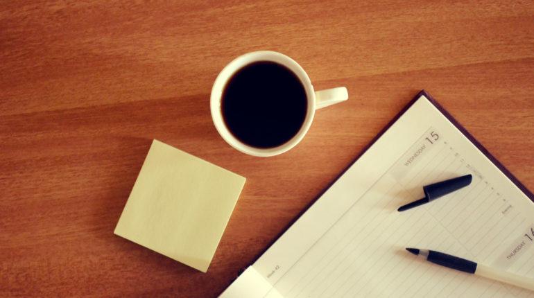Zdjęcie kalendarza z kawą